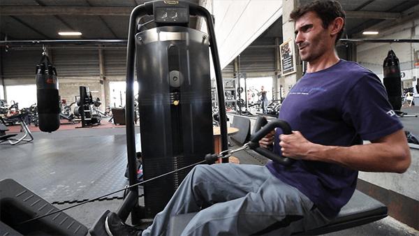 Le rowing poitrine : un incontournable pour corriger votre posture