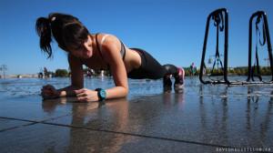 Exercice abdominaux : Planche sur les coudes