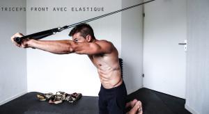 Extension horizontale : exercice triceps avec élastique