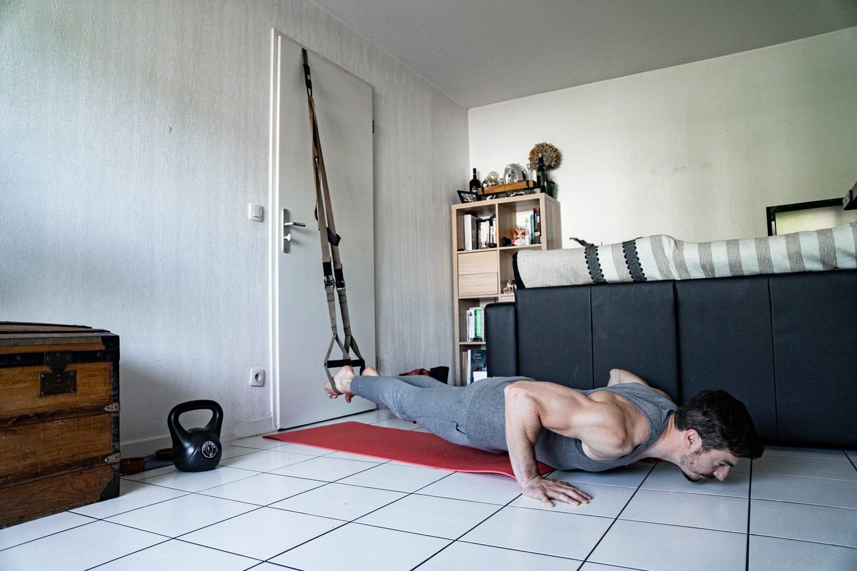 Pompe Trx – Deux variantes efficaces pour muscler vos pectoraux
